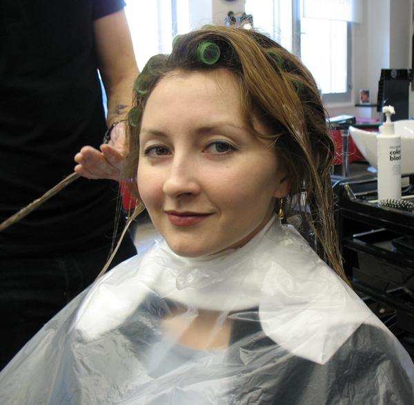 увеличение объема волос у корней