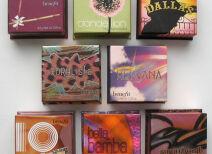 «Пудры в коробочках» Benefit и макияжи с ними