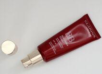 Тональное средство Clarins BB Skin Detox Fluid – очень по-весеннему